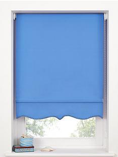 hamilton-mcbride-scalloped-edge-roller-blind