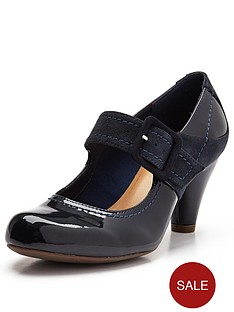 clarks-coolest-berry-bar-shoes