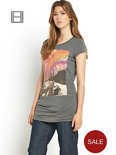 bench-printed-t-shirt