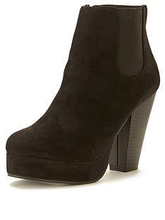 head-over-heels-pallace-heeled-platform