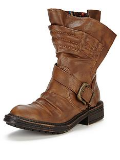blowfish-foxtrot-buckle-detail-calf-boots