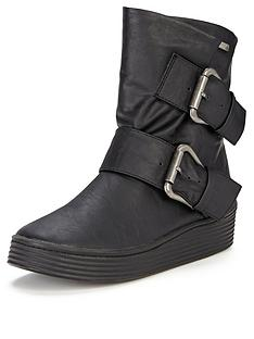 blowfish-barnaby-low-wedge-buckle-detail-boots