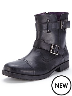 unsung-hero-angle-buckle-detail-boot
