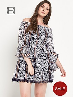 ax-paris-curve-bell-sleeved-dress