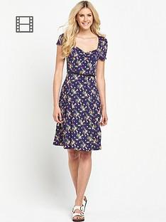 south-floral-print-sweetheart-neck-tea-dress