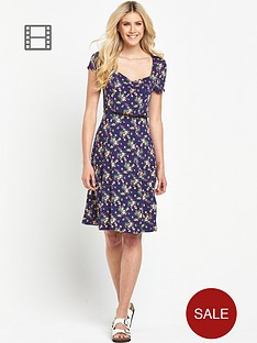 south-petite-floral-print-sweetheart-neck-tea-dress