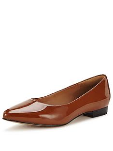 clarks-corabeth-abby-flat-shoes