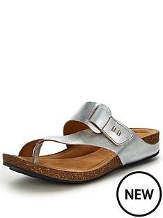 clarks-perri-coast-toe-strap-silver-flat-sandals
