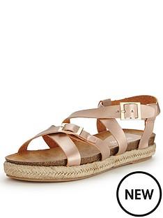 glamorous-buckle-gladiator-sandals