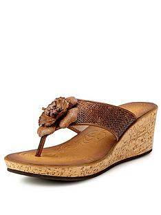 clarks-rais-claire-wedge-sandals-honey