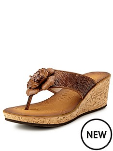 clarks-rais-claire4-honey-wedge-mule-sandals