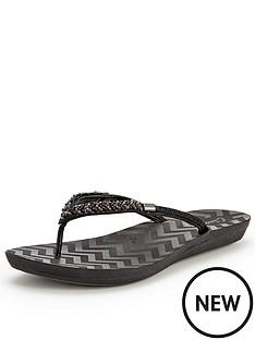 clarks-solar-case4-black-flip-flop-sandals