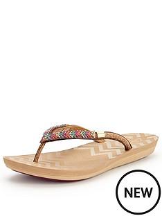 clarks-solar-case4-nude-flip-flop-sandals