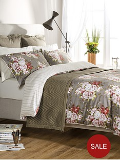 christy-rose-bouquet-bedding-range