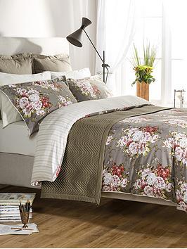 christy-rose-bouquet-bedding-range