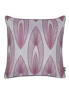 arrow-leaf-applique-cushion
