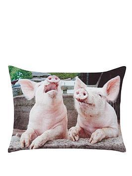 pigs-velvet-cushion