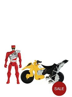 power-rangers-dino-charge-with-red-ranger
