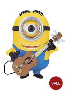 minions-talking-minion-stuart-interacts-with-guitar-voice-sfx