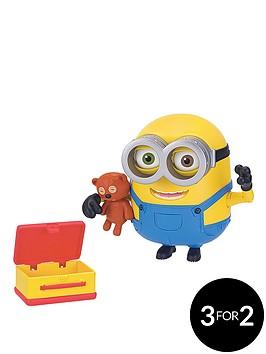 minions-minion-bob-with-bear