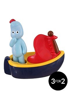 in-the-night-garden-roll-along-iggle-piggle-with-boat