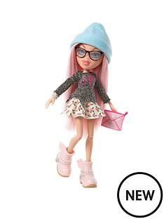 bratz-selfiesnaps-doll-cloe