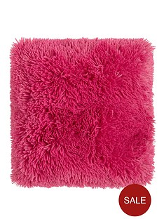 catherine-lansfield-cuddly-cushion-hot-pink