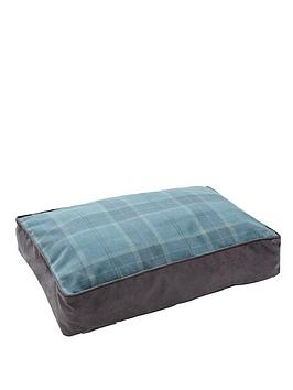 small-tartan-pet-bed