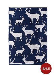 stag-jacquard-hand-towel