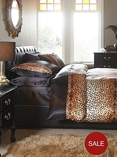 complete-satin-leopard-print-6-piece-bedding-set