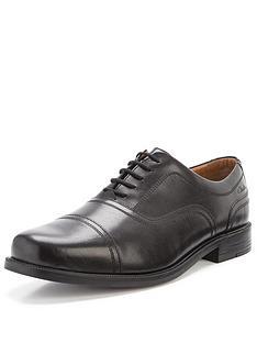 clarks-beeston-cap-lace-up-standard-fit-shoes