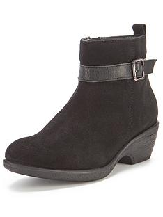 betty-foot-cushion-suede-buckle-detail-h