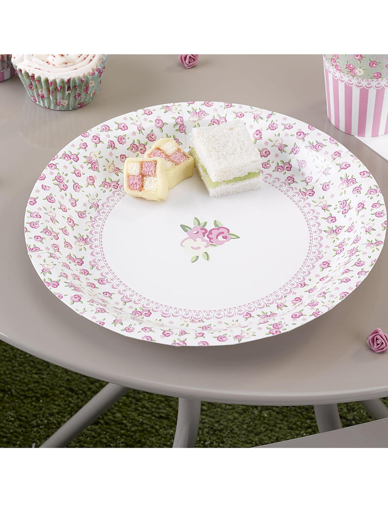 Frills & Spills Vintage Paper Plates (8 pack) at Littlewoods