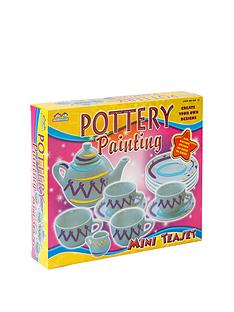 small-wonders-decorate-a-tea-set