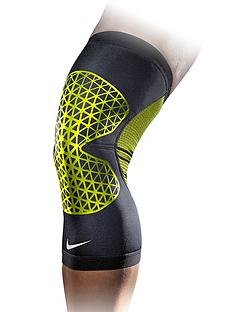 nike-pro-combat-hyperstrong-knee-sleeve-large