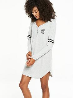 v-by-very-varsity-henley-sleep-shirt