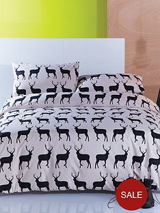 anorak-kissing-stags-duvet-cover-set