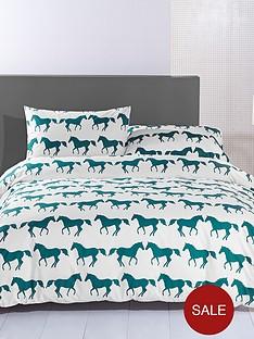 anorak-kissing-horses-duvet-cover-set