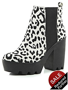 river-island-pete-leopard-pony-cleated-sole-chunky-heeled-boots