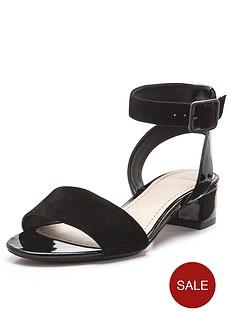 clarks-sharna-balcony-sandals