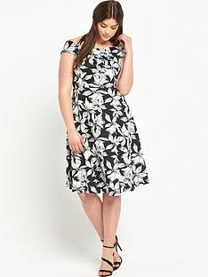 so-fabulous-print-scuba-prom-dress