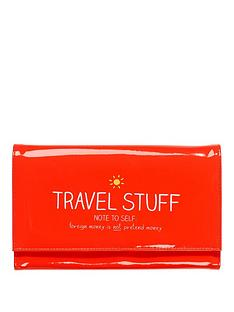 happy-jackson-travel-stuff-travel-wallet