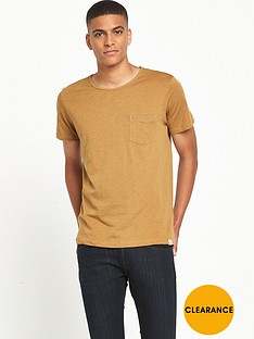 lee-pocket-t-shirt-mustard