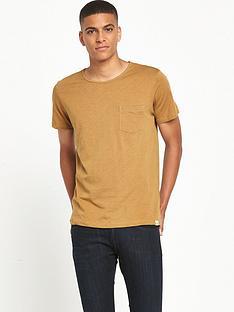 lee-pocket-t-shirt