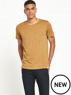 lee-pocket-t-shirt