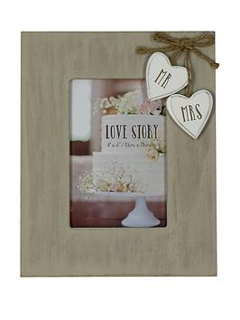 mr-and-mrs-wooden-frame-with-hearts