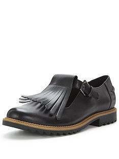 clarks-clarks-griffin-mia-fringe-flat-shoe