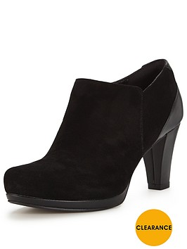 clarks-chorus-true-shoe-boot-black