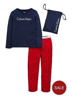 calvin-klein-2pce-woven-pj-set-with-bag-bluered
