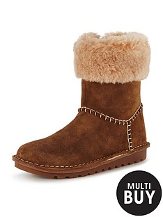clarks-toddler-greeta-ace-suede-boot